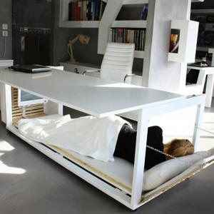 Bureau convertible en lit d'Athanasia Leivaditou