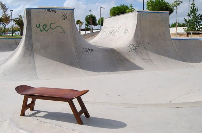 Nollie Flip, un tabouret en forme de skate et bois d'érable