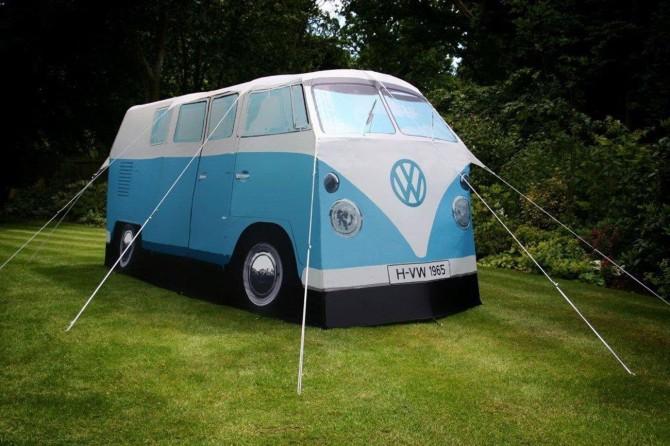 La tente VW, fidèle réplique du célèbre van de Volkswagen.