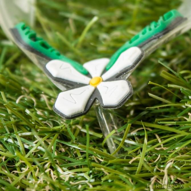 Tongs Green Grass