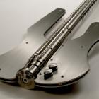 Stash, la guitare basse en acier inoxydable